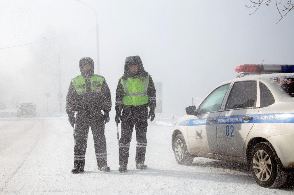 Сотрудники ДПС в Иркутске перешли на усиленный вариант несения службы