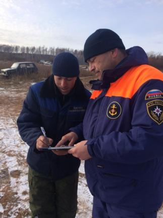 Водители продолжают выезжать на лед Братского водохранилища вопреки здравому смыслу