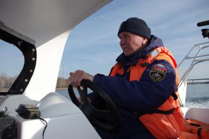 Плавание маломерных судов по водоемам Иркутской области в период нереста и ловля рыбы