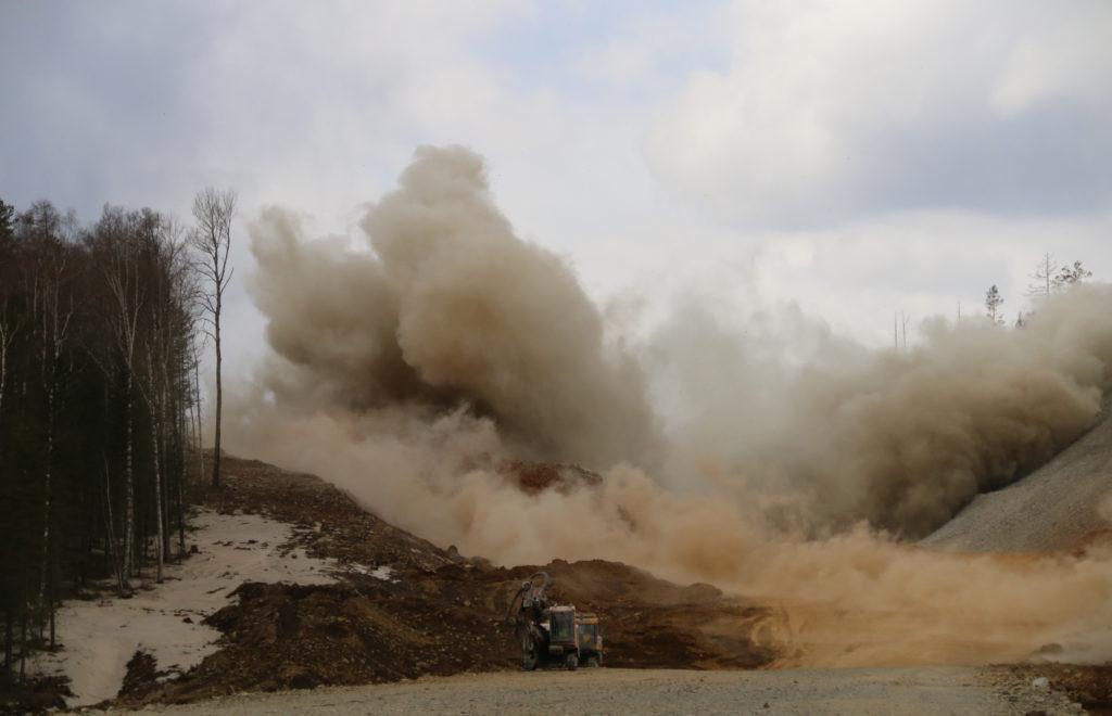 На строительстве трассы Р-258 «Байкал» продолжают греметь взрывы
