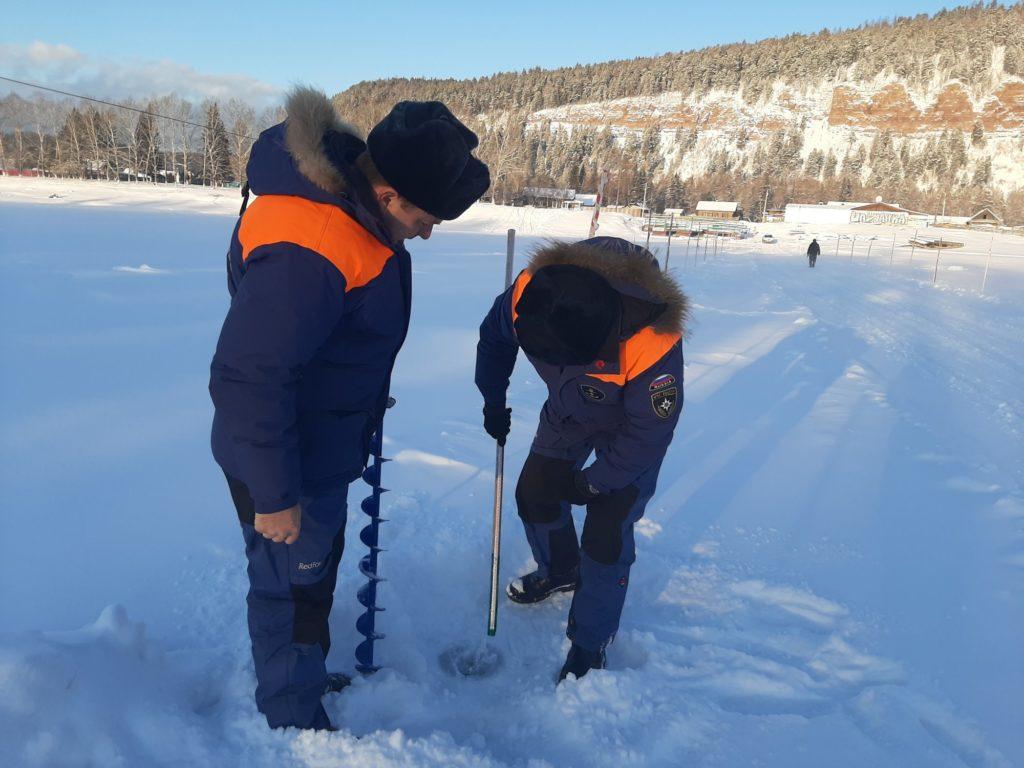 Сейчас в Иркутской области уже работают 12 ледовых переправ