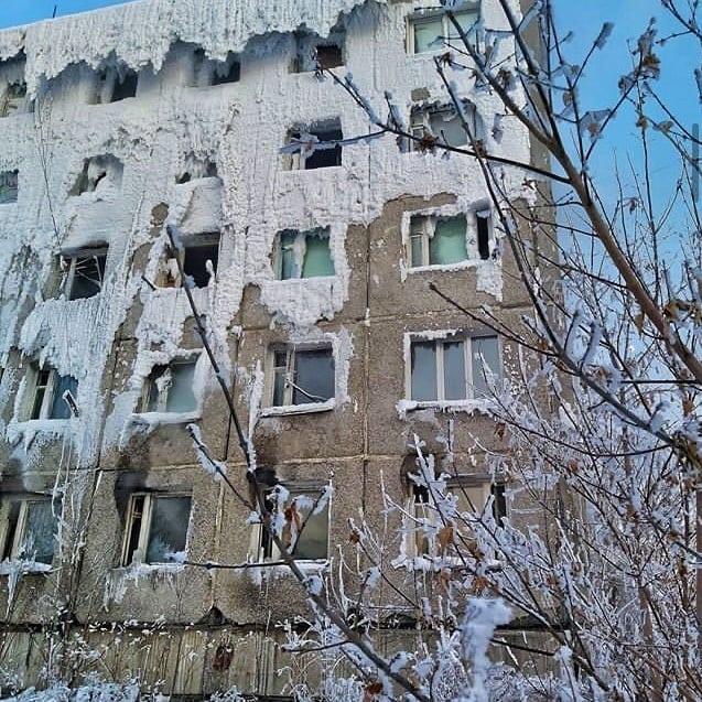 Игорь Кобзев: Семьи, проживающие в здании бывшего общежития ИВВАИУ, должны быть переселены