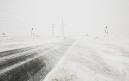 МЧС: Усиление ветра, метели и сильный снег прогнозируют метеорологи на территории ряда районов Иркутской области 17 февраля